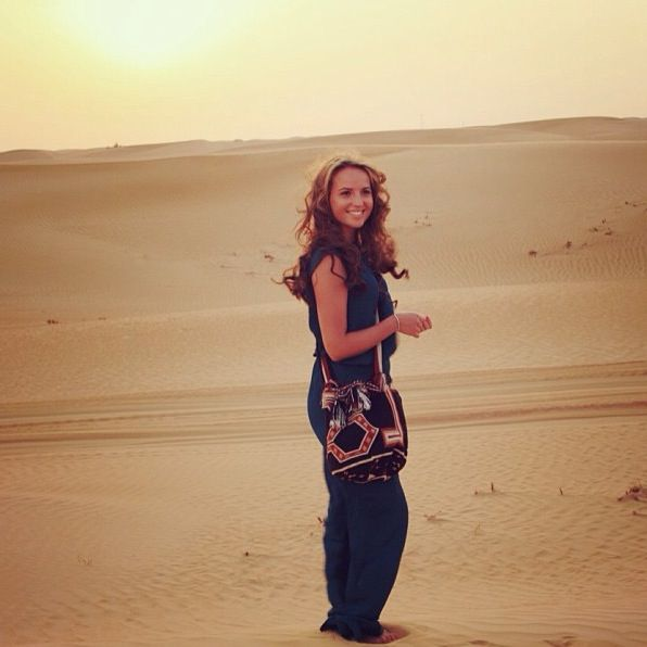 Desert dreaming with my mochila by isabelli