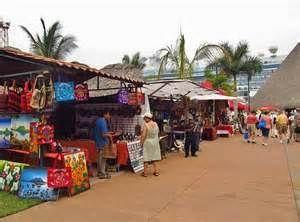 Local vendors in cruise port, Puerto Quetzal