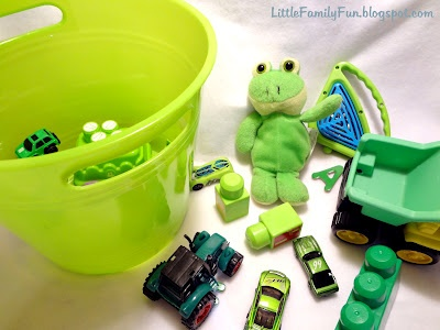 Fun idea for St. Patricks Day for the kids.  Sent them on a hunt throughout the house for green items.  It would be a good 'busy' activity for any day and using any color though!: Idea, Colors Hunt'S, Toddlers Boys, Green Hunt'S, Families Fun Crafts, St. Patrick'S Day, Crafts Activities, Scavenger Hunt'S, Family Fun