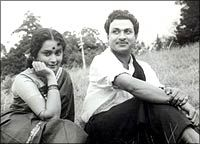 Nandadeepa  In the early 1960s, this was one of his best social films.Rajkumar was teamed up with Harini here. It had a good story line and...