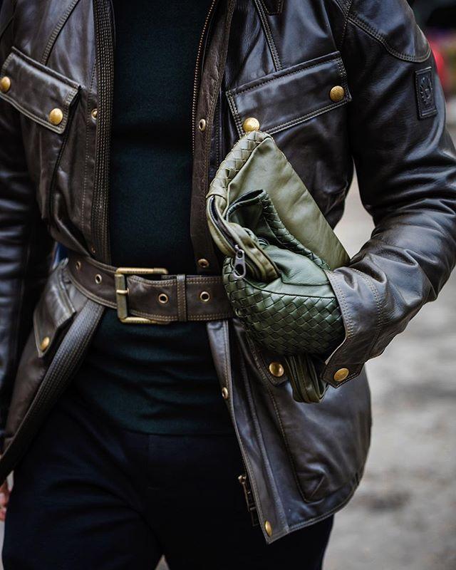 Seen at #christopherkane #aw16 #LFW - #belstaff #jacket #coat -  #tatemodern. -  #뉴욕 #런던 #패션 #패션위크 #모델 #데일리룩 #스트릿패션 #스트릿 #ストリートファッション #ニューヨーク #ロンドン #ファッション #パリ #時尚 #倫敦 #紐約 #leather #gloves