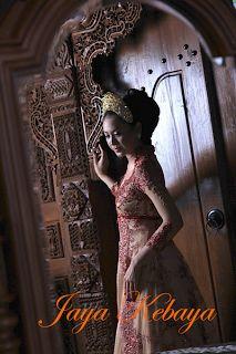 Fashion kebaya modern Indonesia 2016 in Bali