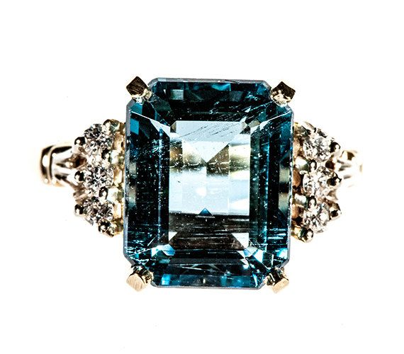 Perfect vintage engagement ring!