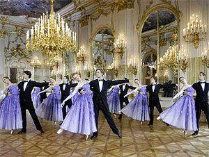 Ballett der Wiener Staatsoper und Volksoper beim Neujahrskonzert 2007 (Bild: APA)