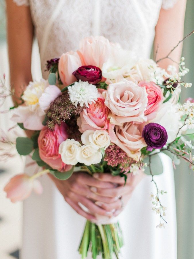 Beautiful wedding bouquet idea; photo: Kate Anfinson