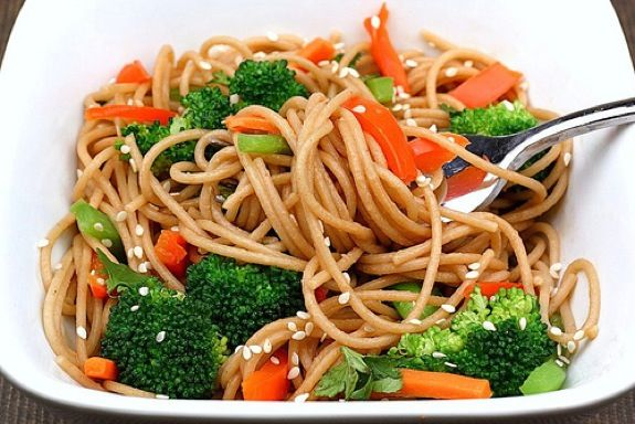 Whole Wheat Noodles with Peanut Sauce and Vegetables - Eating healthy doesn't have to take a ton of time or cost a lot of money. This meal is a perfect example!