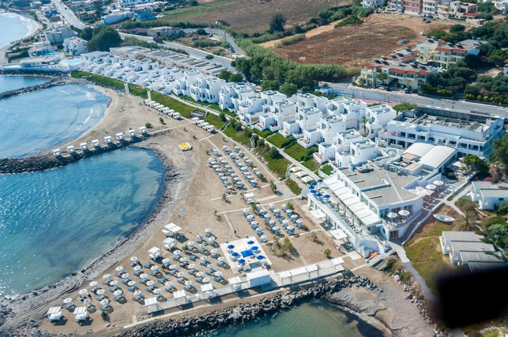 Knossos Beach Hotel with luxury facilities and services