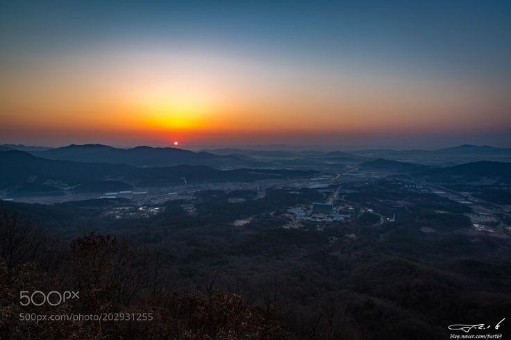 Sunrise in Cheonan by jck6905 via http://ift.tt/2nq1Zi8