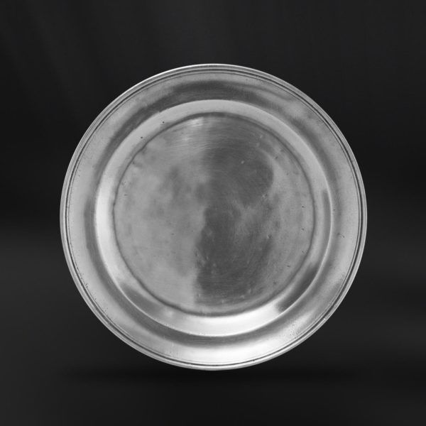 Pewter Dessert Plate - Diameter: 20 cm (7,9″) - Food Safe Product - #pewter #dessert #plate #peltro #piattino #piatto #zinn #dessertteller #teller #zinnteller #étain #etain #assiette #plat #peltre #tinn #олово #оловянный #tableware #dinnerware #table #accessories #decor #design #bottega #peltro #GT #italian #handmade #made #italy #artisans #craftsmanship #craftsman #primitive