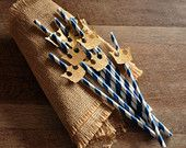 Royal Prince Baby Shower Straws 10CT.  Handcrafted in 2-3 Business Days.  Royal Blue Paper Straws with Gold Crown Cutout.