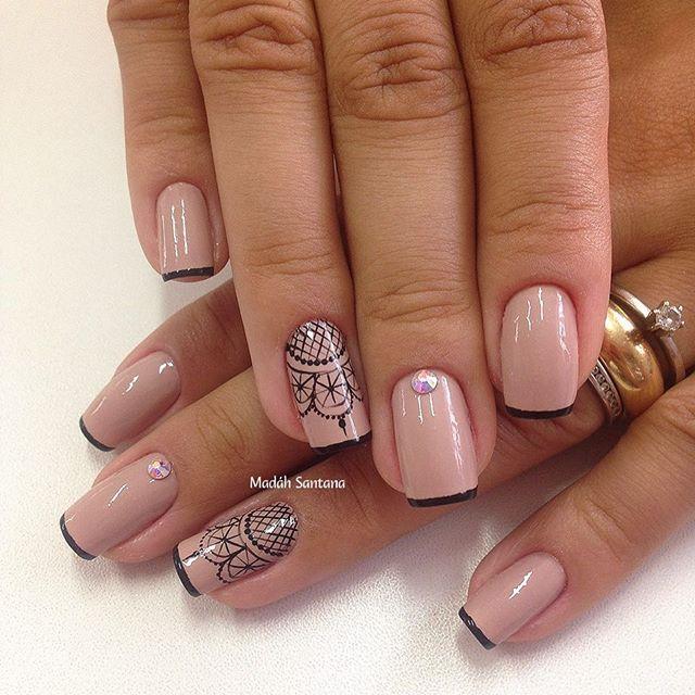 Nails #linda #nude #rendinha #francesinha #madahsantana #manicure #nailart #naoéadesivo #tudofeitoamaolivre #traçolivre #amooquefaço ❤️