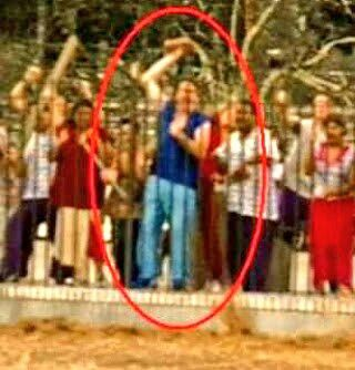 "Jeff Davis Show  -  Idiocracy  Jeff Davis  appears Feature Film ""Idiocracy"" White House Rioter - foam brick prop  Directed by Mike Judge ""Beavis & Butthead""  DVD 2006  Jeff Davis Show Entertainment"