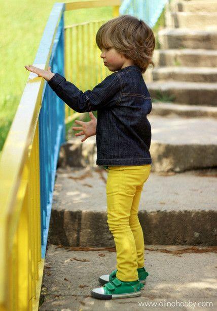 Желтые джинсы для мальчика, скинни желтого цвета. Yellow skinny jeans, denim jacket for boy.