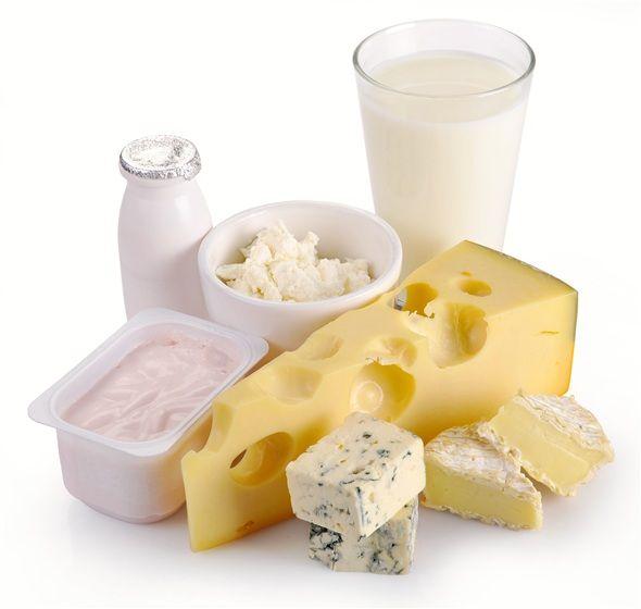 Süt ve süt ürünleri protein ve kalsiyum içerir ve bebekte kemik, diş gelişimi ve büyümesini sağlar.