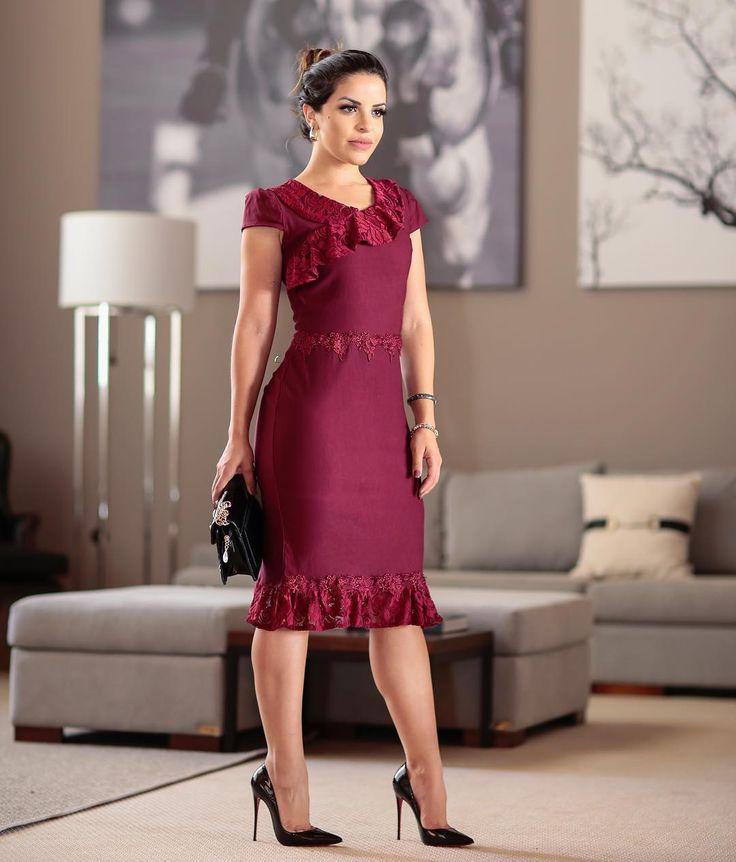 { Começando a sexta-feira com esse vestido elegante da @helenasconceito } Um luxo ❤️ Para compras 📲 (85) 99792 7650 | Vestidos mais bonitos | Pinterest | Dresses, Fashion and Designer dresses