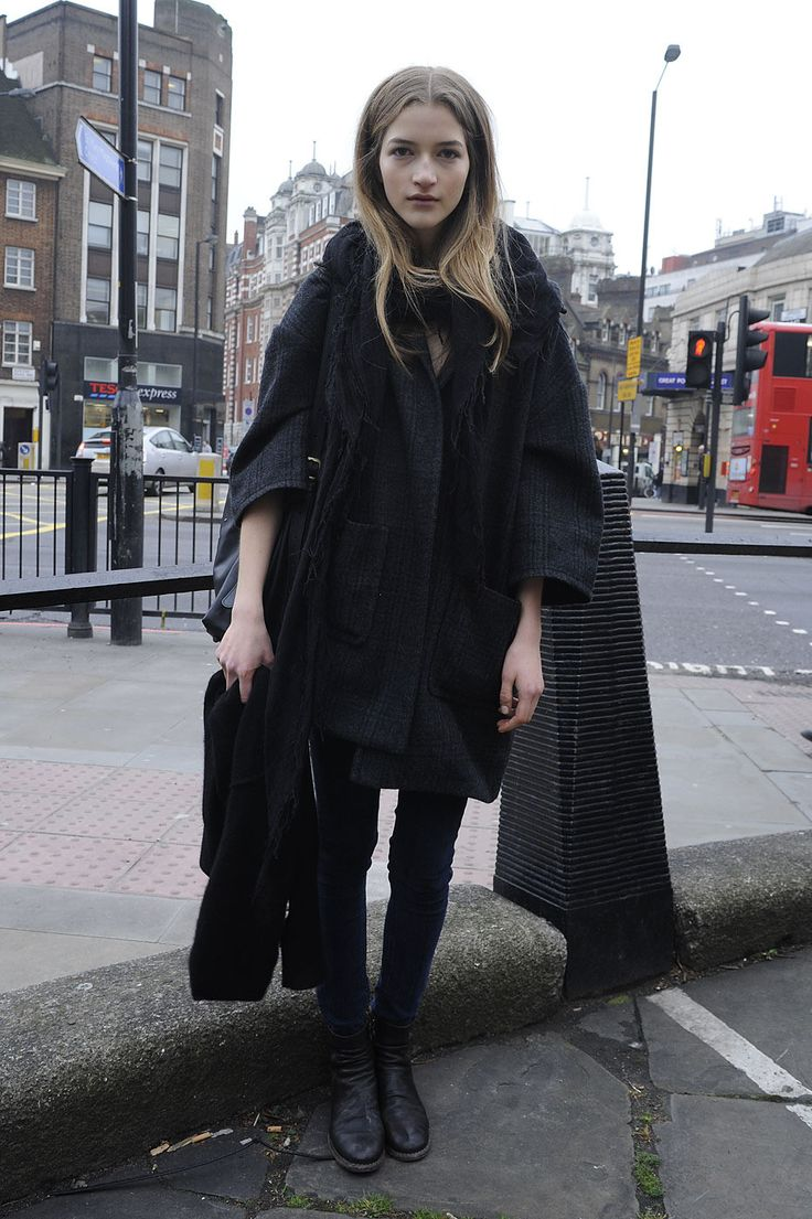 something is a bit off about this (shape of coat?), but large coat/skinny charcoal jeans/flat boots dynamic is great