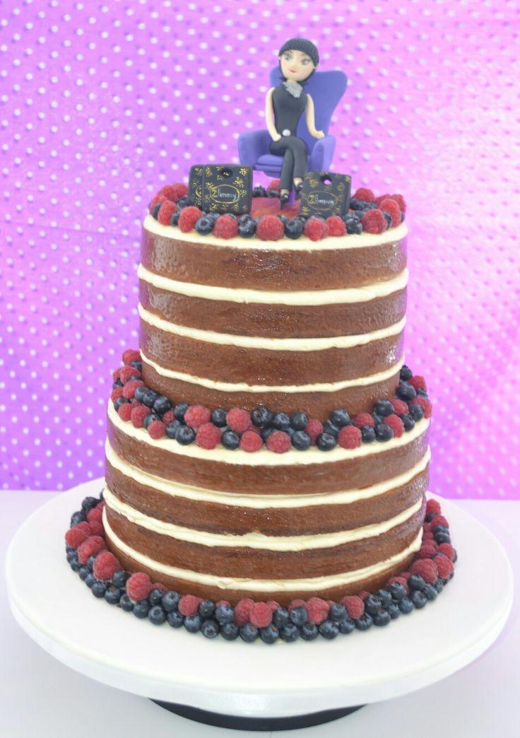 NaKed cake para cumpleaños! #pasteleriabogota #nakedcakesbogota  @dolcella_pastelería