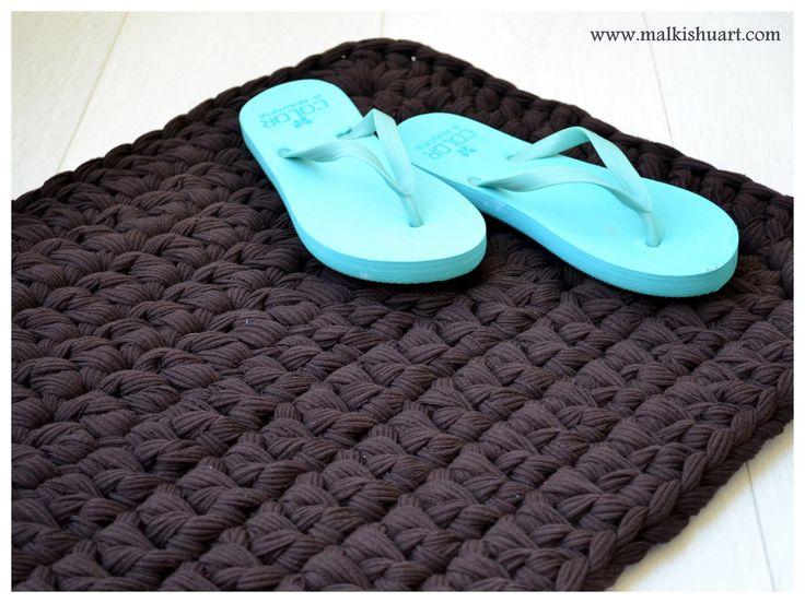 FREE pattern for rectangle  T-Shirt yarn-Trapillo rug / carpet (made of dc) תרשים לשטיח מלבני הבנוי מעמודים