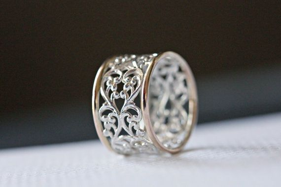 14k gold and sterling silver mixed metal lace ring. Size 8. Gift for her. gift under 100. Handmade silversmith jewellery on etsy.