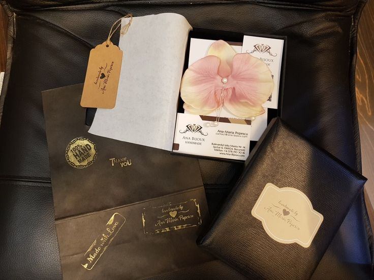 CERCEI ORHIDEE SWAROVSKI #ANAS0023 - Cercei Handmade Orhidee Somon cu perle SWAROVSKI autentice, lant, tije si fluture (capacel) Argint 925. Cercel mic cu perla SWAROVSKI tije si fluture (capacel) Argint 925. Ambalare Premium.   - Bijuterii Handmade - Ana Bijoux Handmade | Ana-Bijoux.com | Ana Bijoux Group
