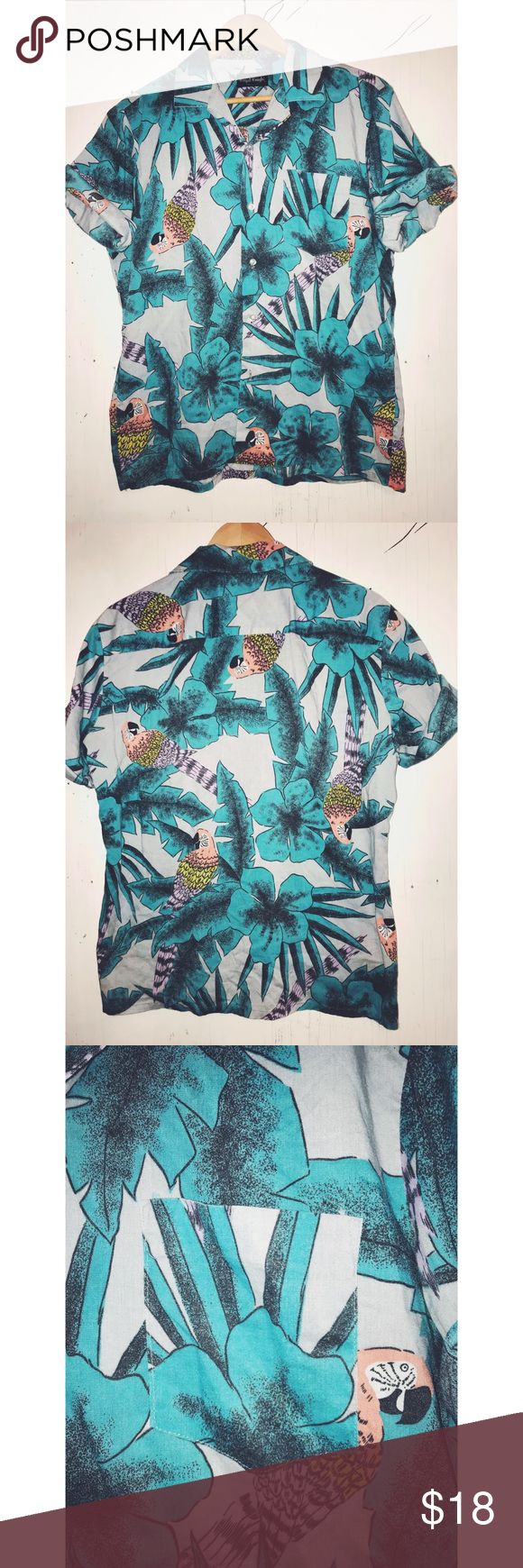 🌊✨WAVY AF' VACA' BUTTON UP✨🌊 Paradise 🌊 vibes linen button up! Light weight could be a nice tied button crop top for females or worn normally for men!  *DETAILS* Brand: Royal knight Size: Medium Style: short sleeves button up Color: blue shades of red green  Condition:great, no stains or snags royal knight Shirts Casual Button Down Shirts