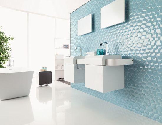 Carrelage design en bleu clair pour le mur