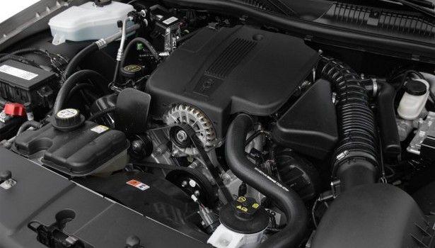 2016 Lincoln Town Car - engine