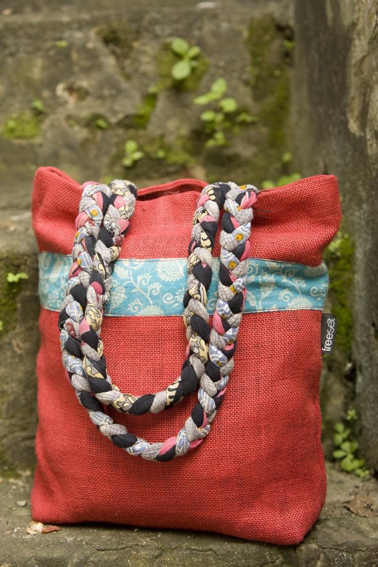 Sari Hope bag by Freeset.