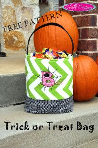 Free pattern to make your own personalized trick or treat bag! #Halloween #freepattern #trickortreatbag