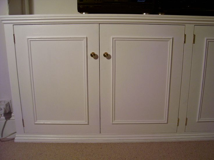 Dwarf cabinet with inset doors and ogee mouldings. Herne Hill SE24