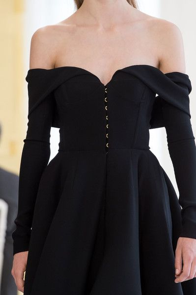 Christian Dior Couture Details Fall 2016 - Indulge in a Decade of Dior Couture Runway Details - Photos