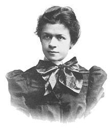 Mileva Marić (1875 - 1948) fue una matemática serbia y la primera esposa de Albert Einstein. Fue compañera, colega y confidente de Einstein. El grado de participación en sus descubrimientos es muy discutido fuera del ámbito científico.  Nació en Titel, en la provincia de Vojvodina, entonces parte del Imperio austrohúngaro (actualmente en Serbia) en una familia serbia. En 1896 ingresó al Instituto Politécnico de Zurich siendo la única mujer estudiante.