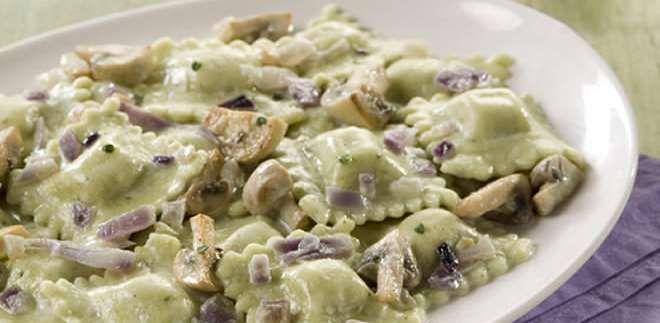La Salteña | Recetas | Ravioles Parmesano y Muzzarella con salsa de hongos y cebollas