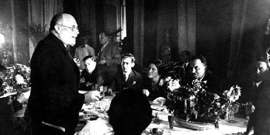 """Historischer """"Schauprozess"""" in Moskau: Das Theater der Diktatur - Das Gleichnis Russland 1937 : Türkei 2016. Ist Erdogan ein Stalinist? https://www.taz.de/!5376983/"""