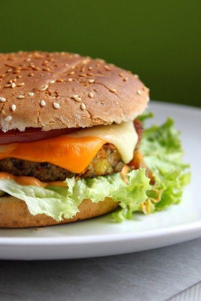 Burger végétarien {steak de légumes sans viande} - La cuisine d'Anna et Olivia