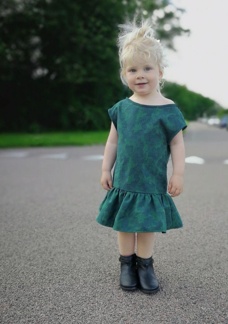 """Mili"" #løvenhardtcopenhagen #lovenhardt #minimodel #mili #kjoler #klänning #dresses #børnetøj #kidswear #barnkläder #danskdesign #egetdesign #handmade"