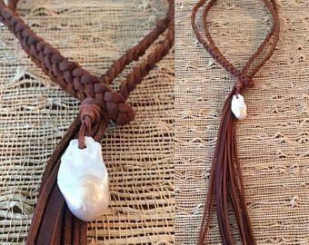 Trenzado Kodiak cordón de cuero con flecos y Barqoue perla acento - lleva dos maneras