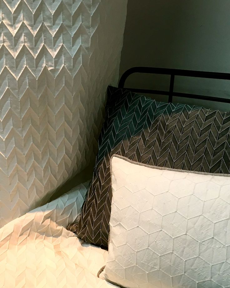 Origami & Ishi de Saum und Viebahn | Trevira CS, Red Dot Design Award 2013 - Best of the Best. Vision Collection. #ontariofabrics