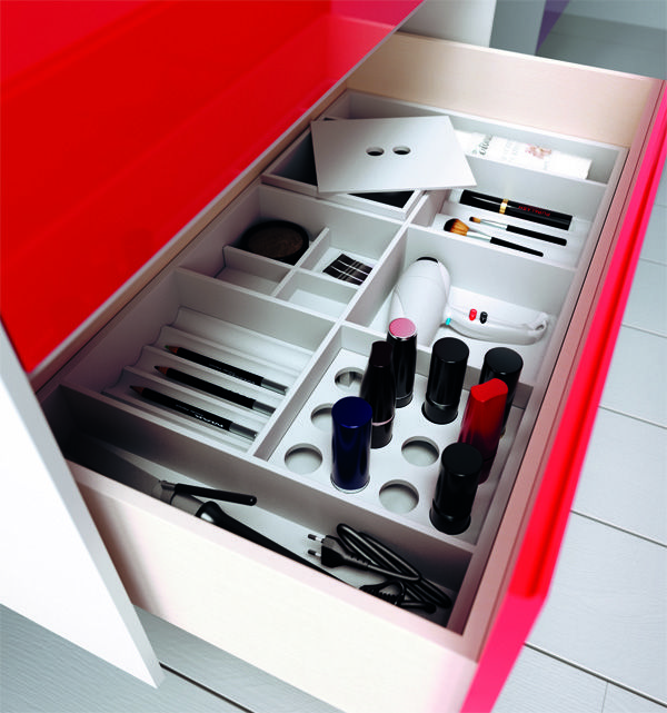 A #red drawer for your #bathroom! You will find everything inside it #insideout #beauty