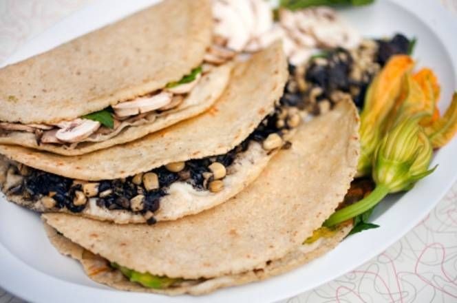 Quesadillas De Huitlacoche Receta De Lupita Receta Huitlacoche Receta Recetas De Comida Mexicana Comida