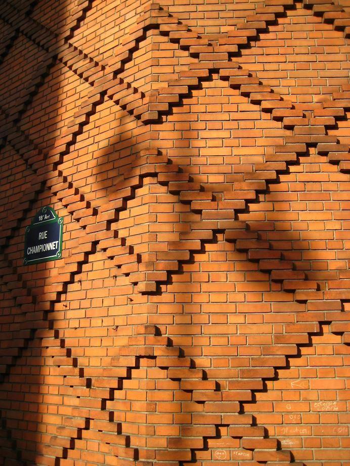 The Diapper pattern, Rue Championnet, Paris 18eme