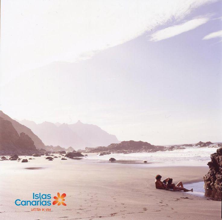 Esta es otra de las muchas formas de practicar la brilloterapia, en la playa de Benijo en Tenerife. ¡Buenos días!