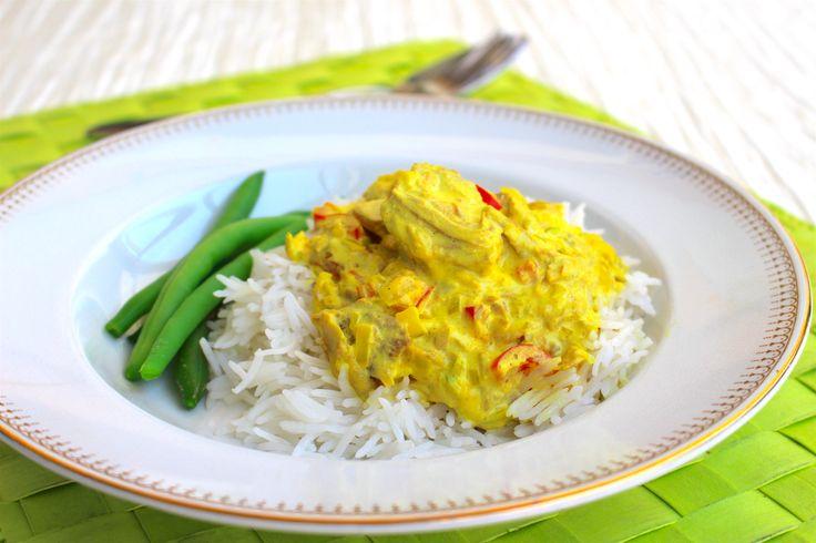 Tonfisk i en god currysås. Denna rätt är fantastisk. Inte bara för att den är så himla enkel att laga utan för alla goda smaker den bjuder på. Servera med pasta eller ris och en god salladbredvid. Lättlagat och gottigottgott! 4-6 portioner 2 burkar tonfisk i vatten 1 bit purjolök eller 1 vanlig lök 1 …