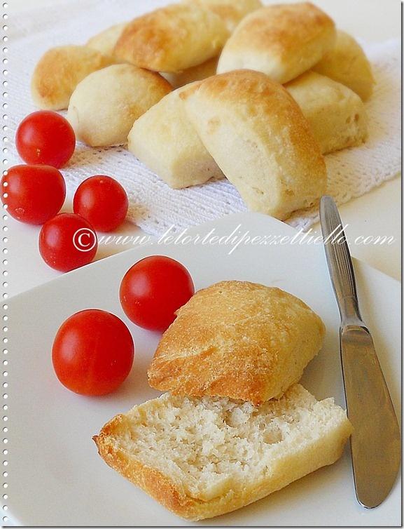 http://www.letortedipezzettiello.com/2012/09/panini-allolio.html