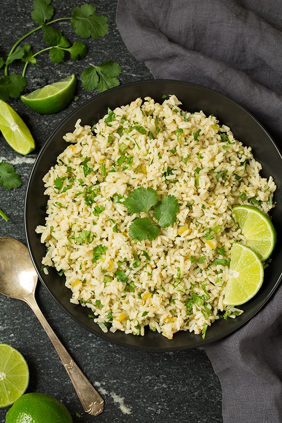 Cilantro-Lime Rice how I love you! It's a simple side that's full of flavor and it pairs perfectly with just about any Mexican or Southwestern dish, plus i