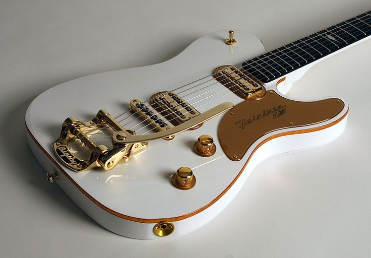 Une très belle #Thorn #Fairlane #500GT finition #Wimbledon #White ! Retrouvez des cours de #guitare d'un nouveau genre sur MyMusicTeacher.fr