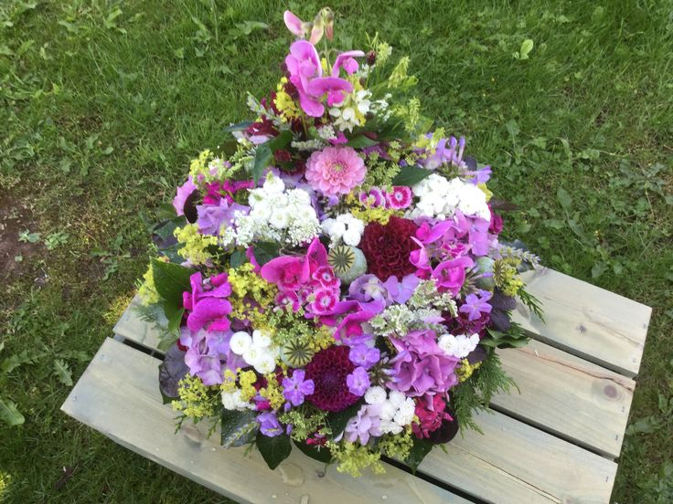 Posy pad ,British flowers,all homegrown in our cottage garden  Herefordshire, Dahlias,Sweetpeas,sweet williams