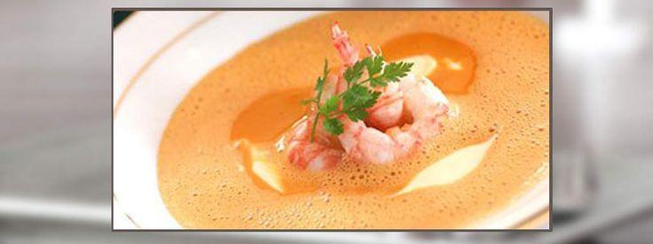 Skalldyrsuppe. Dette er en spektakulær skalldyrsuppe. En lukseriøs suppe på gormetrestaurantnivå som garantert vil slå an hver gang. Helt magisk