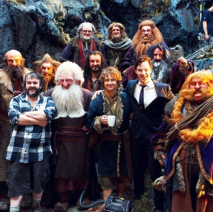 The cast of 'The Hobbit: The Desolation of Smaug' on the set (2013) - From upper-left corner: Mark Hadlow, Adam Brown, Peter Hambleton, Graham McTavish, Jed Brophy, Richard Armitage, William Kircher, Peter Jackson, Ken Stott, Martin Freeman, Benedict Cumberbatch and Stephen Hunter