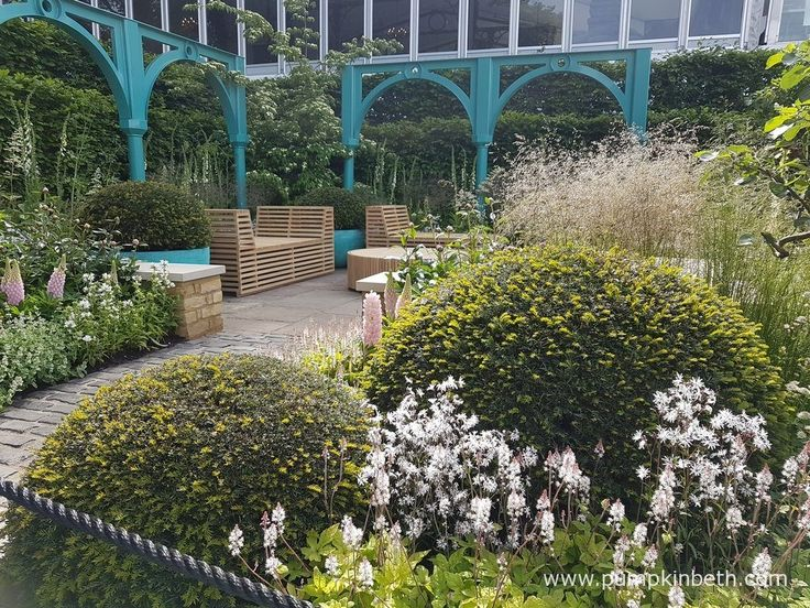 Jonathan Stockton designed and built the furniture for The Sir Simon Milton Foundation Garden:'500 years of Covent Garden'.